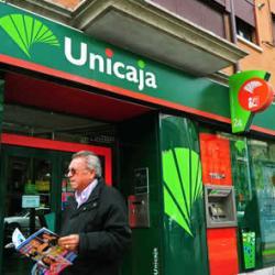 Unicaja y caja espa a duero tendr n que realizar for Oficinas de unicaja en madrid