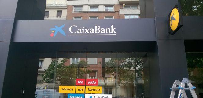 Caixabank lanza el scrip cobrar el dividendo u optar for Oficinas caixabank madrid