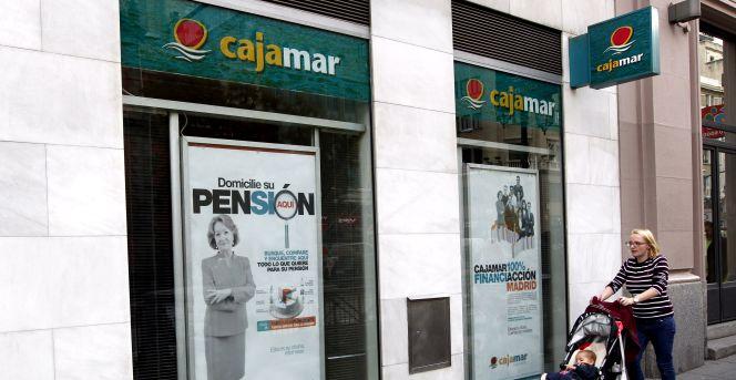 Cajamar regala hasta euros por planes de pensiones for Oficinas de cajamar en malaga