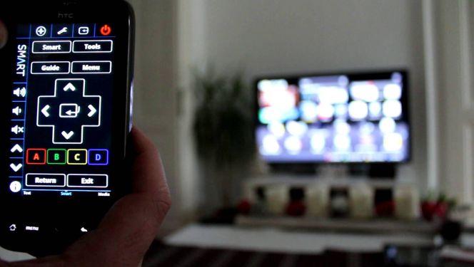Resultado de imagen de usar el móvil como mando a distancia