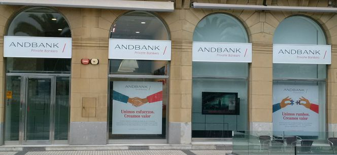 Andbank busca 25 altos directivos para reforzarse en for Oficinas de deutsche bank en madrid