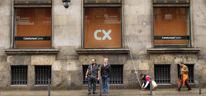 El fondo que saca oro con la reconversi n de las cajas for Catalunya banc oficinas