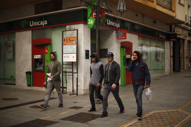 Unicaja tasa su valor m nimo para salir a bolsa en for Unicaja banco oficinas