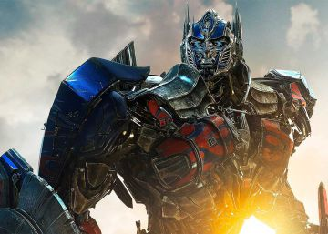 "Ayuda a construir el Optimus Prime definitivo de ""Transformers"" con objetos reales"