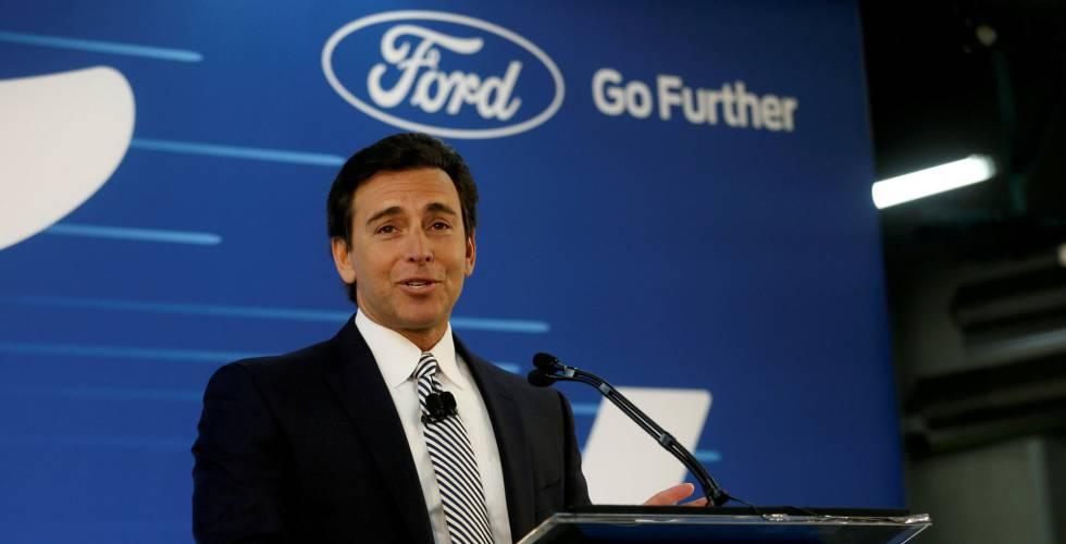 Ford despide a su CEO Mark Fields