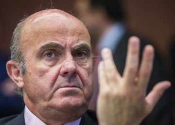 Guindos dice que no interferirá en Bankia ante la posible compra de Popular