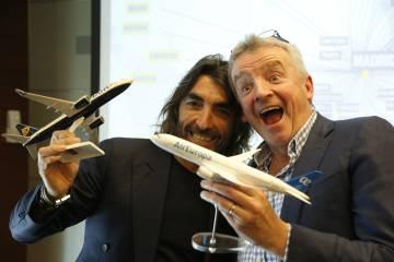 El CEO de Globalia, Javier Hidalgo, con el primer ejecutivo de Ryanair, Michael O'Leary.