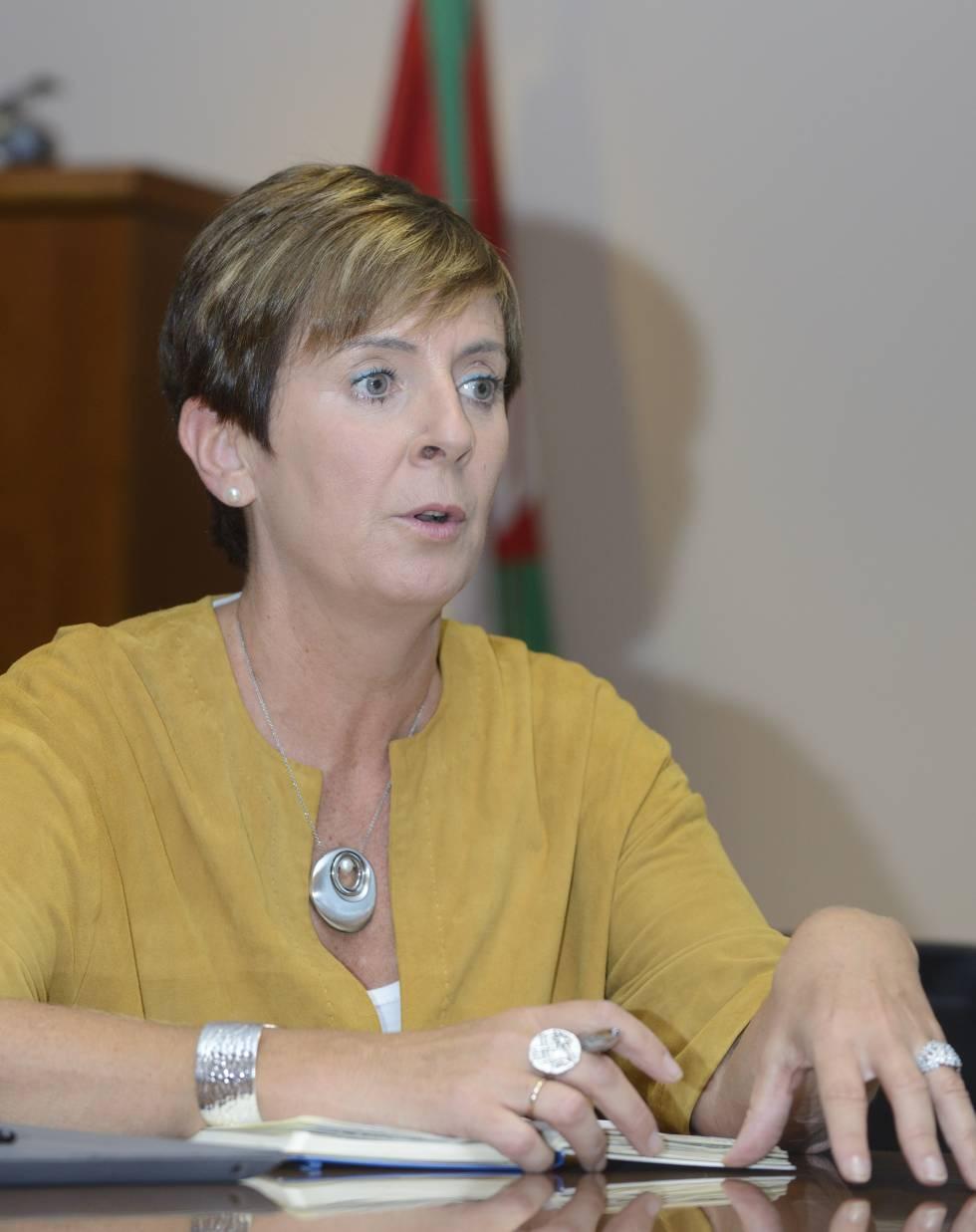 """Arantza Tapia: """"Apoyamos industrias con un fondo de 250 millones"""""""