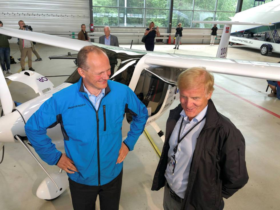 Avión eléctrico vuela en los cielos de Noruega | Mundo loco