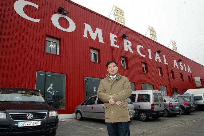 Los 39 todo a cien 39 chinos v ctimas de su propio xito empresas cinco d as - Tiendas de muebles en madrid sur ...