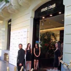 Cavalli apuesta por España y abre tienda en Madrid  5581a169126