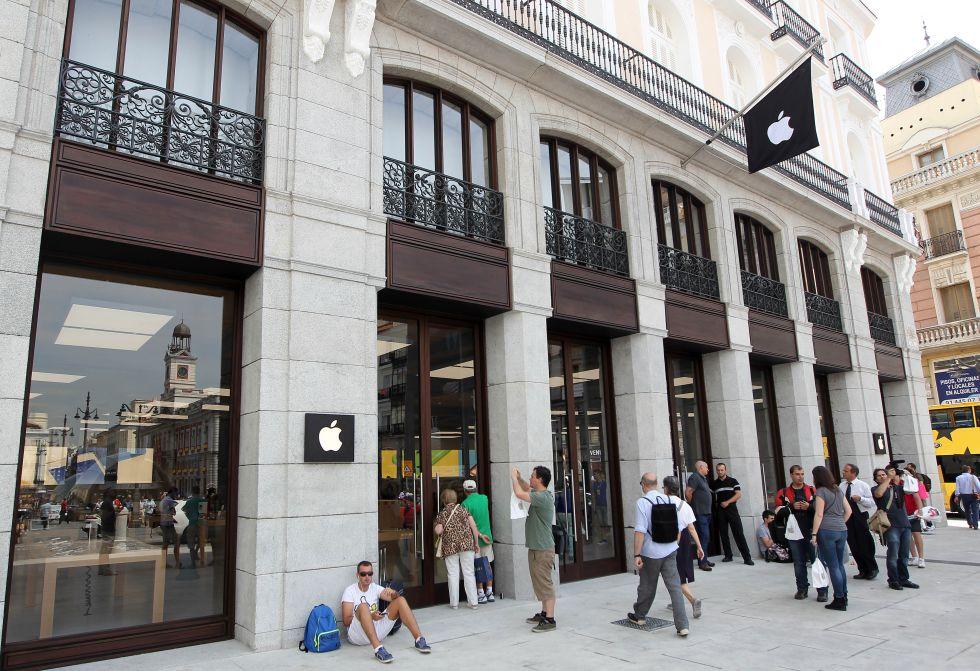 Fotos tienda de apple en la puerta del sol fotograf a cinco d as - Tienda de cortinas madrid ...
