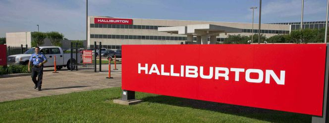 Logotipo de Halliburton en su sede en Houston, Texas.