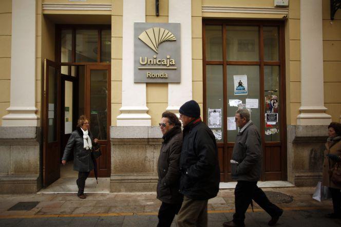 Bruselas da seis meses m s a unicaja para que pueda vender for Oficinas de unicaja en madrid