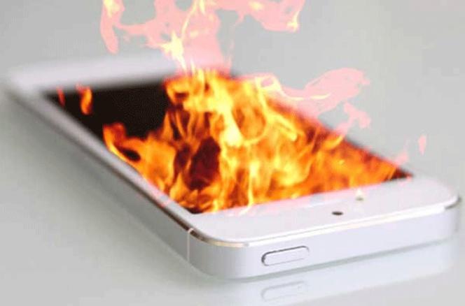 Resultado de imagen de movil ardiendo