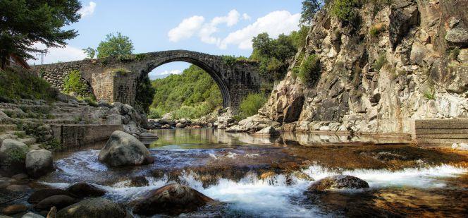 Turismo en la vera la vera una comarca real y muy for Candeleda piscinas naturales
