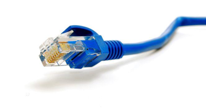 ¿Qué cable necesito para aprovechar al 100% la fibra óptica?