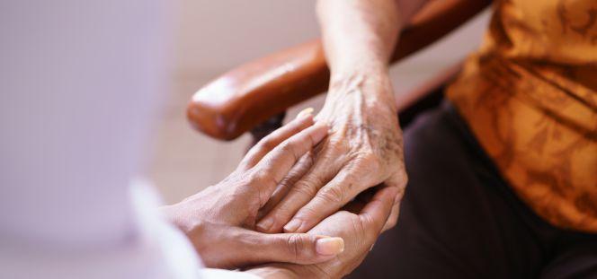 Los geriatras reclaman una reforma integral de la asistencia a los mayores