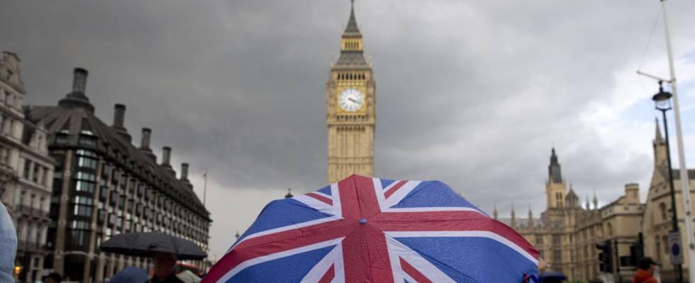 El supervisor financiero inglés saca los colores a la industria de fondos de inversión