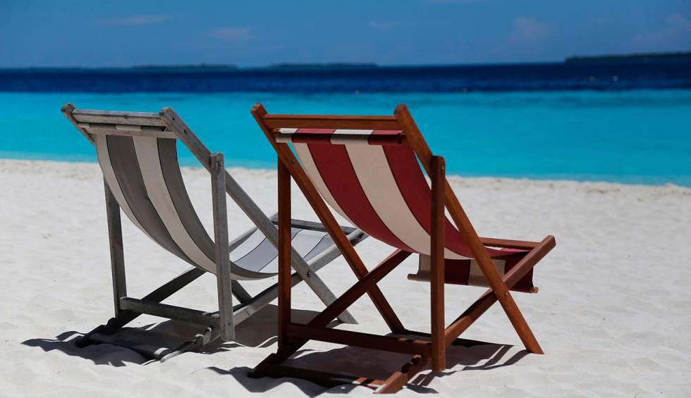 Así puedes reservar hamacas y tumbonas en chiringuitos de playa ...