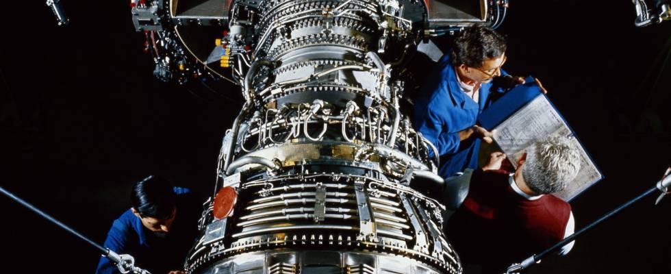 Los ingenieros multiplican su rol e invaden las fábricas
