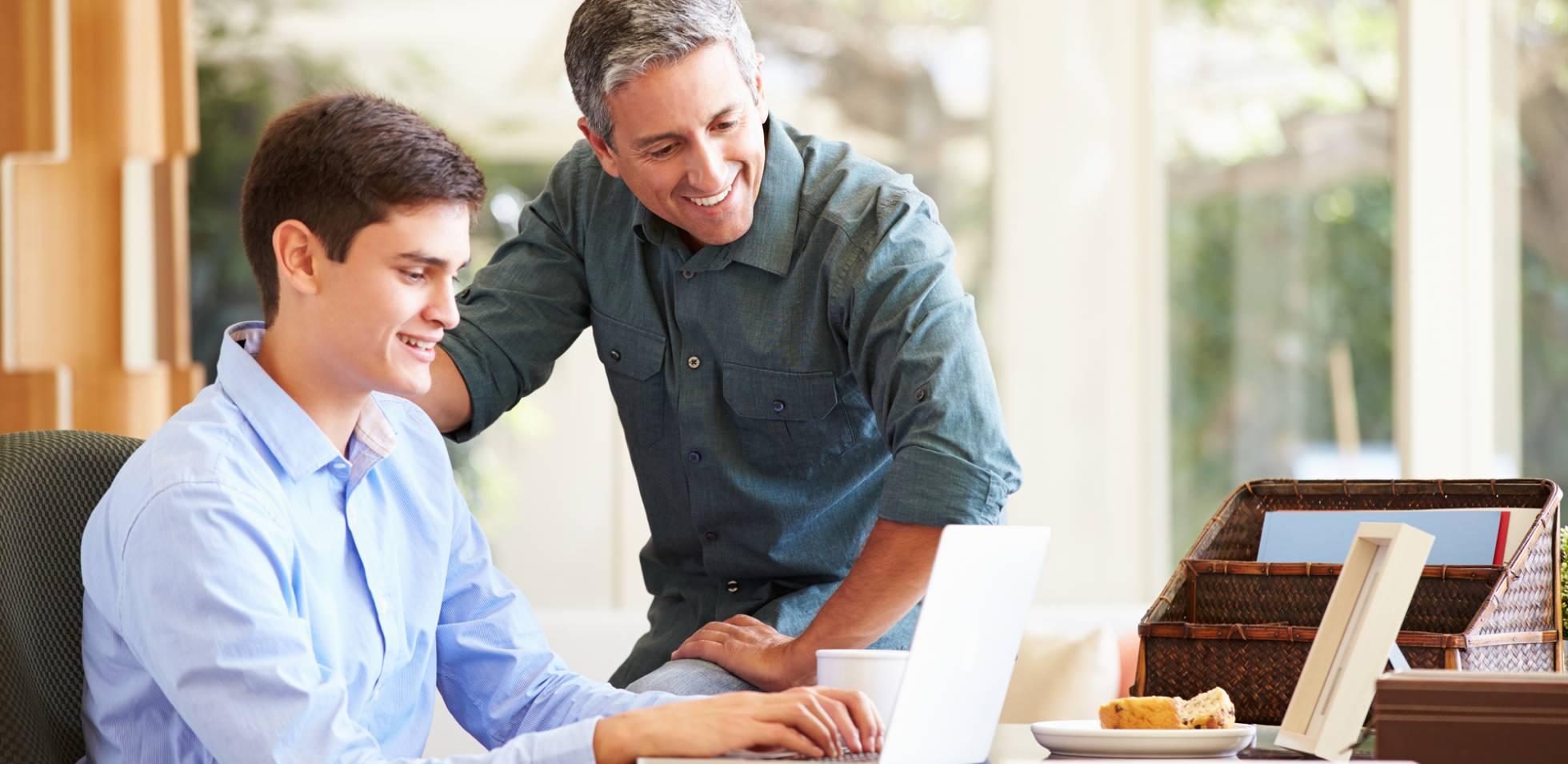 Cómo debe contratar un autónomo a un familiar