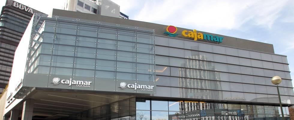 Cajamar obtiene un beneficio de 44 3 millones de euros for Oficinas de cajamar