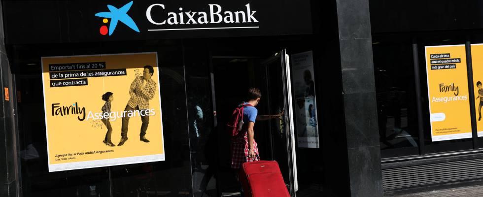 Independencia caixabank y sabadell presionan sacando for Oficina correos sabadell