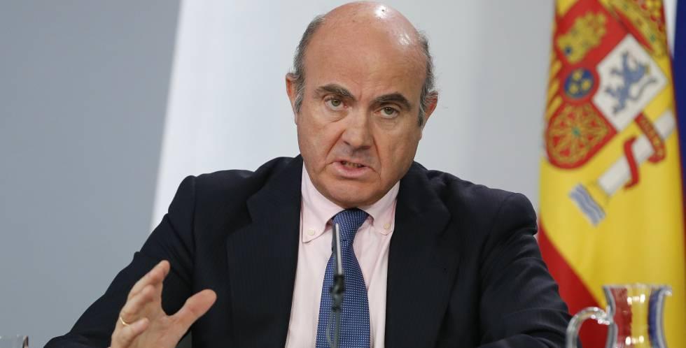 Economía obliga a todos los bancos a ofrecer cuentas básicas con comisiones tasadas