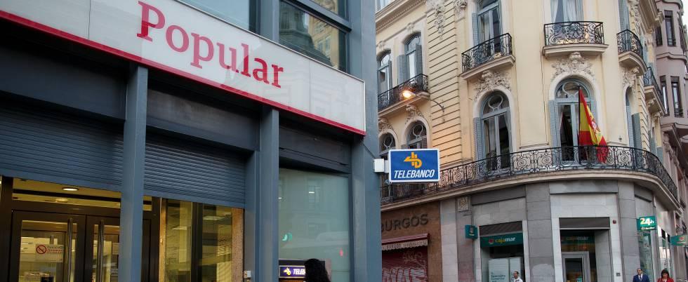 Una juez de barcelona atender demandas de afectados por for Oficinas banco popular barcelona