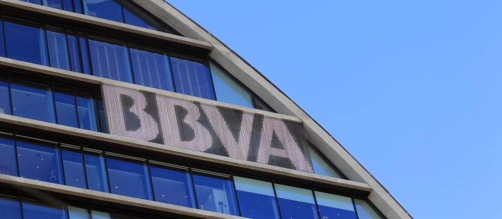 Bbva lanza un producto que multiplica por ocho el inter s for Red oficinas bbva