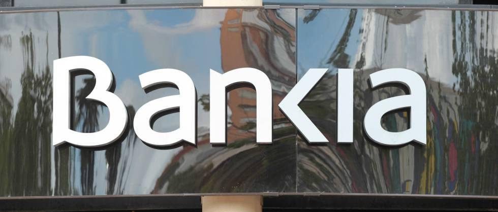 Caixabank y bankia formar n a empleados en for Oficinas caixabank madrid