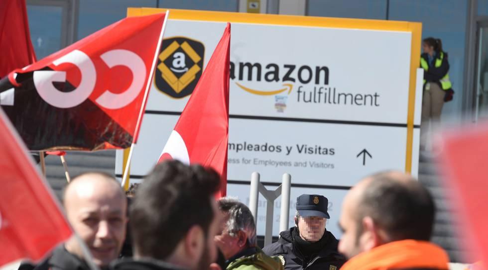Trabajadores de Amazon durante las movilizaciones el pasado abril.