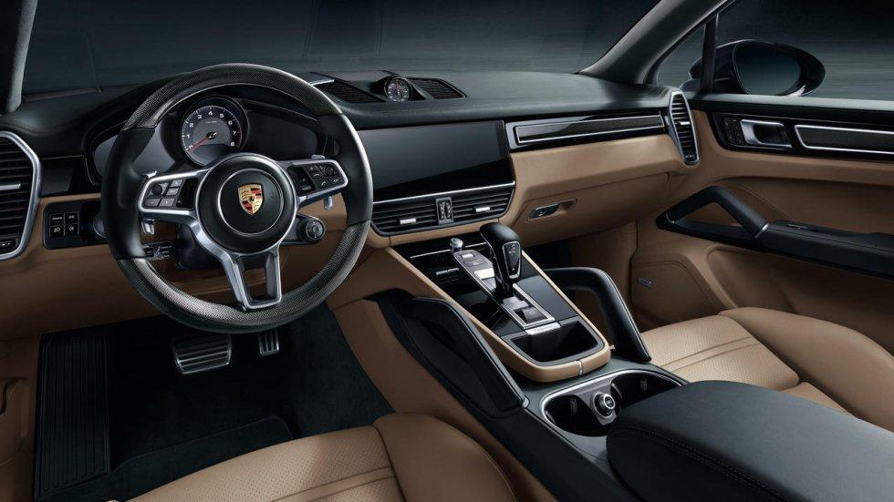 La matriculación de vehículos de lujo en España ha crecido un 2% durante lo que va de año, según datos de la Asociación Nacional de Fabricantes de Automóviles y Camiones (Anfac). En total, han sido 1.185 los modelos que se han vendido, frente a las 1.162 unidades del mismo periodo del año anterior. Estas marcas, cuya gama no cuenta con ningún modelo por debajo de los 50.000 euros, se reparten en el mercado de manera desigual. Porsche ocupa el primer puesto, con 994 unidades, frente a las 939 del mismo periodo de 2017. Le sigue Maserati, con 129 vehículos, frente a los 169 del pasado año. El podio lo completa Ferrari, con 30 ventas, un 50% más. Tras estas, por este orden, se situaron Bentley, con 21 ventas, Lamborghini, con ocho, y Aston Martin con dos. La última posición la ocupa Rolls-Royce, con una única transacción. Seleccionamos los modelos más vendidos en España por cada una de las marcas hasta la fecha.
