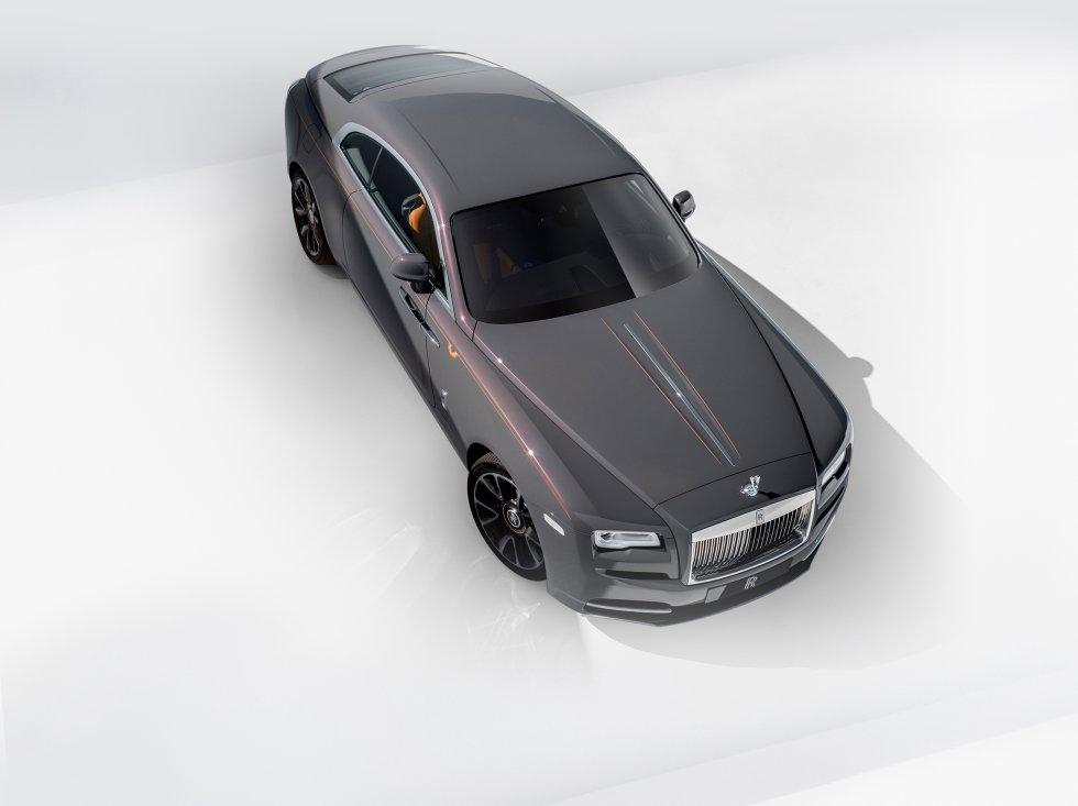 El Rolls-Royce Wraith es el coupé de la marca de lujo británica. El diseño exquisito del fantasma ha conseguido aunar perfectamente los genes arraigados a la firma desde el principio de su historia, con un carácter algo más juvenil y deportivo. El modelo sigue enamorando a los entusiastas de la casa, que se deciden por él pasados los cinco años desde su lanzamiento. El precio aproximado es de 330.000 euros.