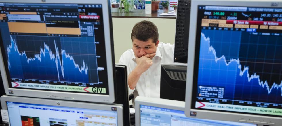 El Tesoro supera la primera subasta de la era Sánchez con tipos más altos