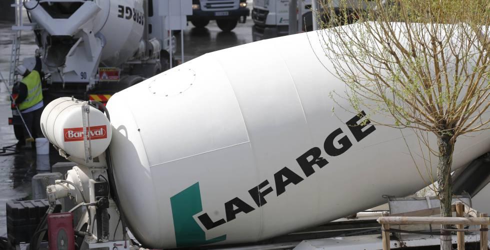 La cementera Lafarge, imputada por crímenes contra la humanidad