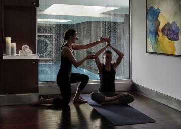 Reuniones de trabajo entre clases de yoga  f127a0c83e65