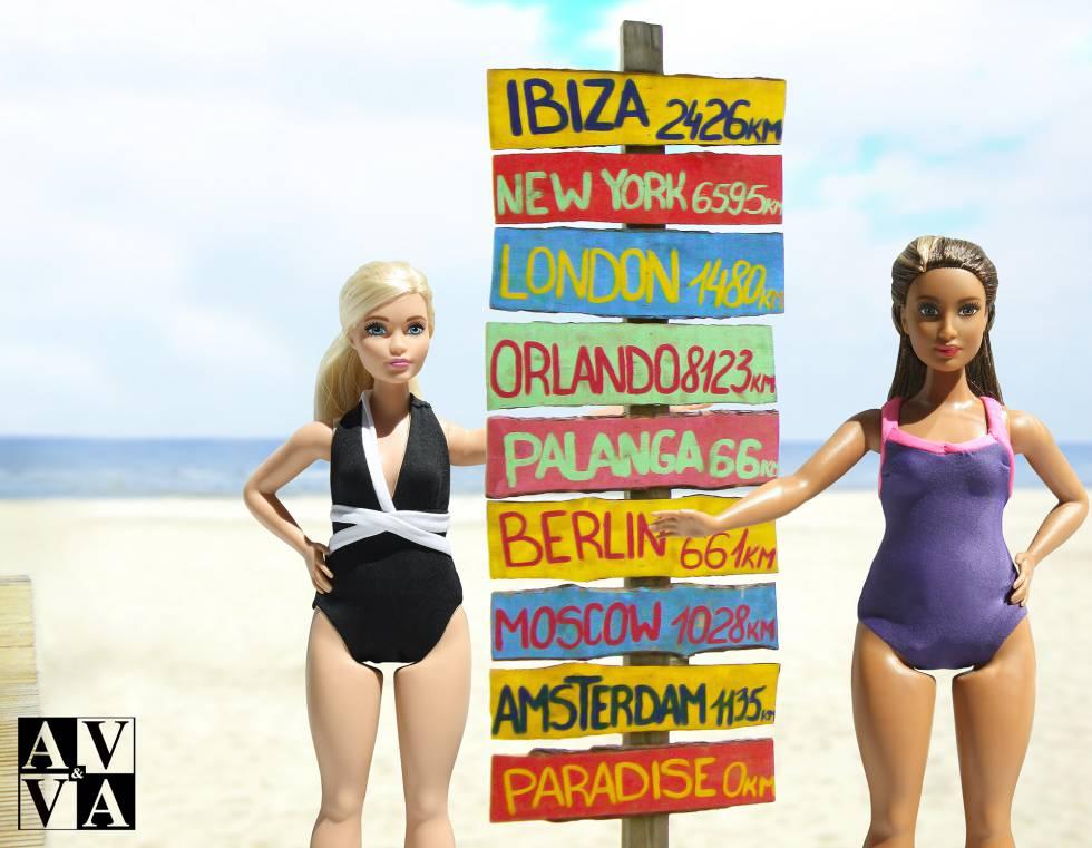 beaf6f292 La Barbie Curvy tiene su colección de baño A V.