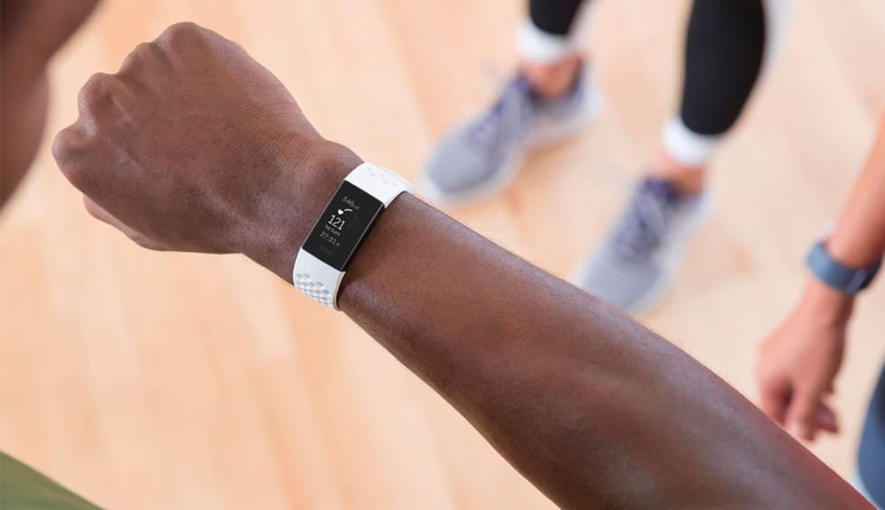 17304d348ea8 Nueva pulsera Fitbit Charge 3  resistente al agua y con más batería ...