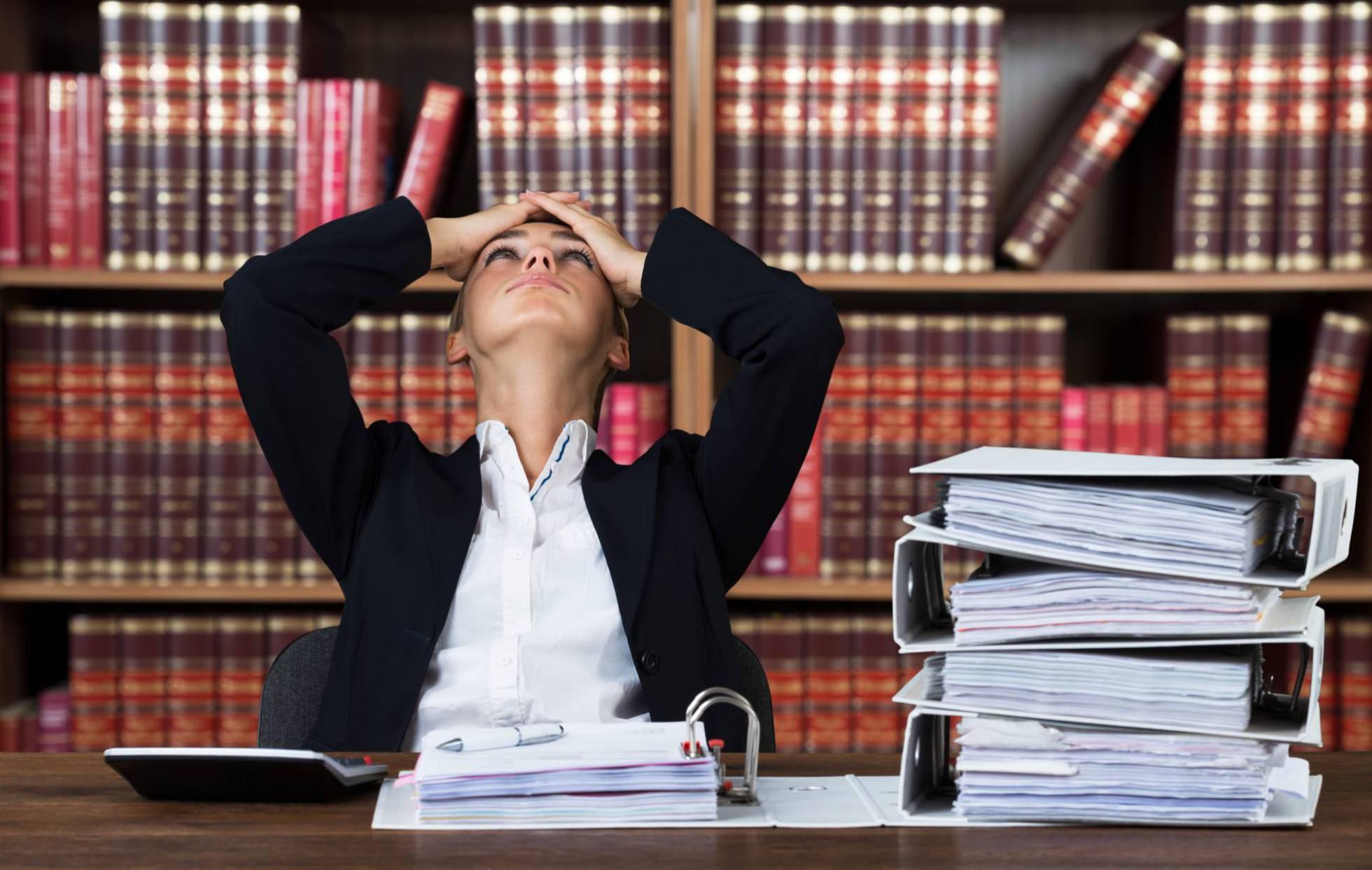 Un abogado en paro puede percibir en pago único la subvención de la Mutua