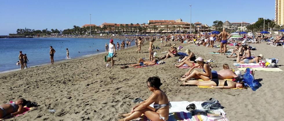 España perdió 196.000 turistas en agosto