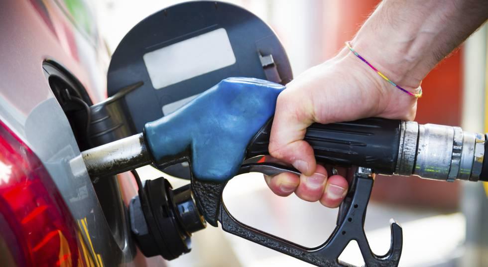 Nuevo etiquetado de combustibles: ¿qué carburante debe echar a su coche?