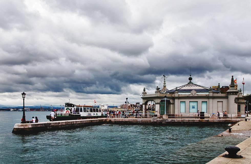 Palacete del embarcadero (Santander)