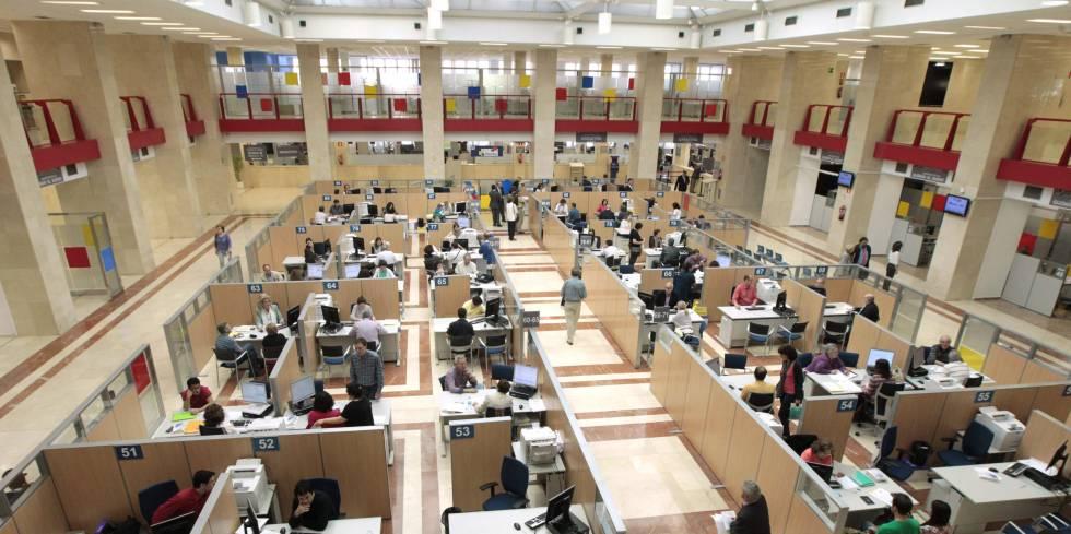 El BOE publica la oferta de empleo público para 2019: así se repartirán las plazas