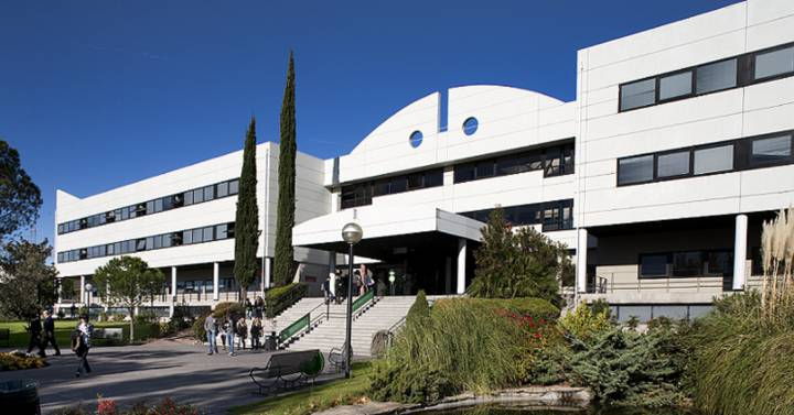 Permira pone en venta las residencias de la Universidad Europea | Compañías  | Cinco Días