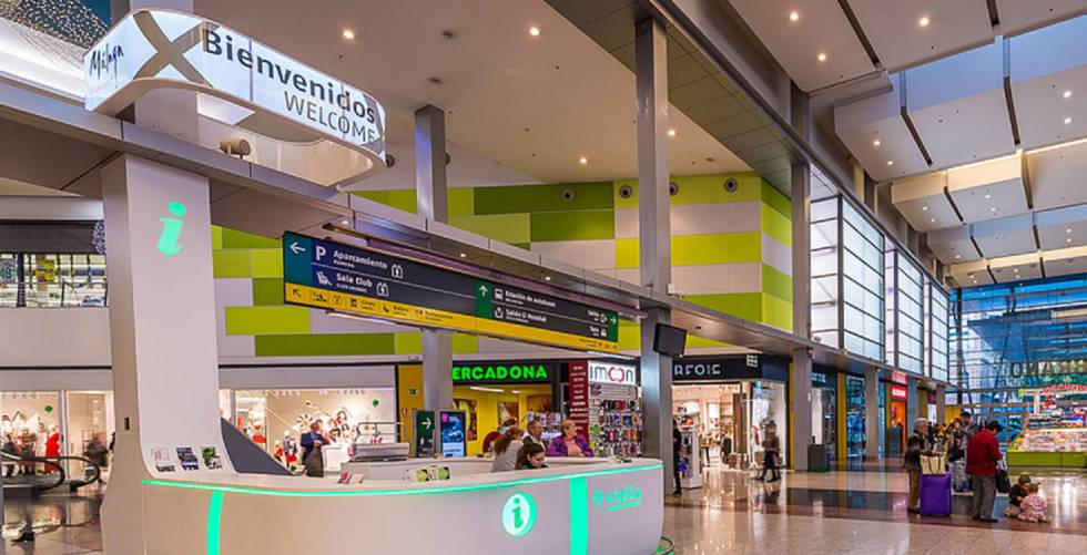 Adif diseña un plan para disparar los ingresos comerciales en las estaciones del AVE