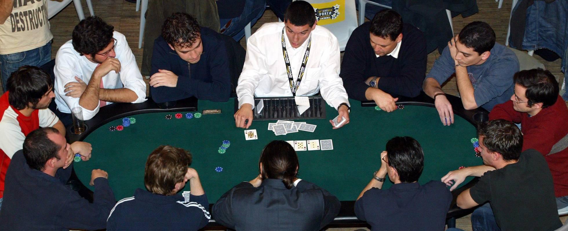 La justicia avala que los gastos por jugar en torneos de póker sean deducibles en el IRPF