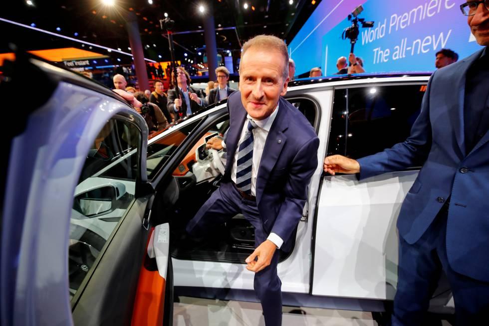 Herbert Diess: La fiscalía alemana acusa al CEO de VW de malinformar a los  inversores sobre el 'dieselgate' | Compañías | Cinco Días