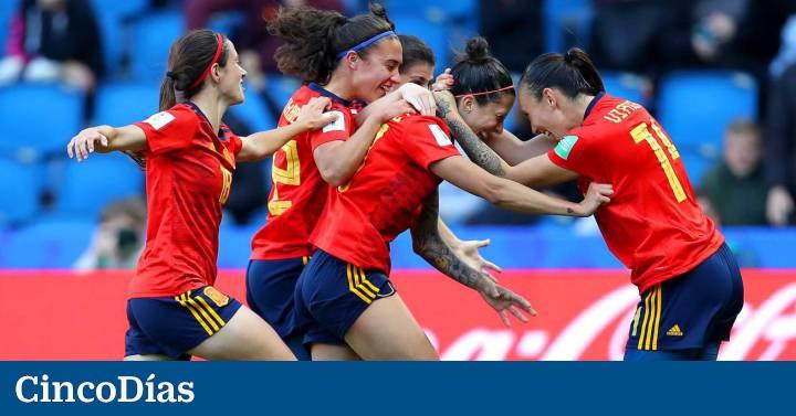 Clubes y sindicatos ponen fin a la huelga del fútbol femenino - Cinco Días